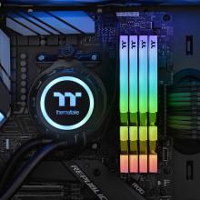 Thermaltake TOUGHRAM RGB 16Go 2x8Go DDR4 3200 Mhz