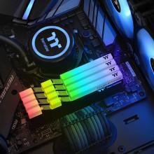 Thermaltake TOUGHRAM RGB 16Go 2x8Go DDR4 3000 Mhz
