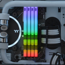 TOUGHRAM RGB Memory DDR4 3600MHz 16GB (8GB x 2)-White